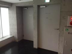 FLAMP3階踊り場.jpgのサムネイル画像